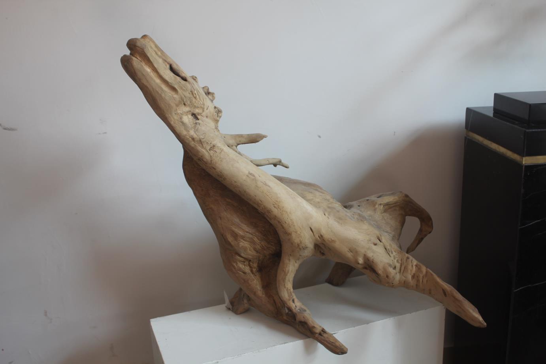 实木雕刻鹿造型
