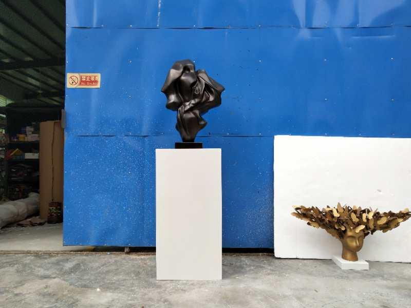 树脂材质仿图片效果白色大理石底座雕塑摆件