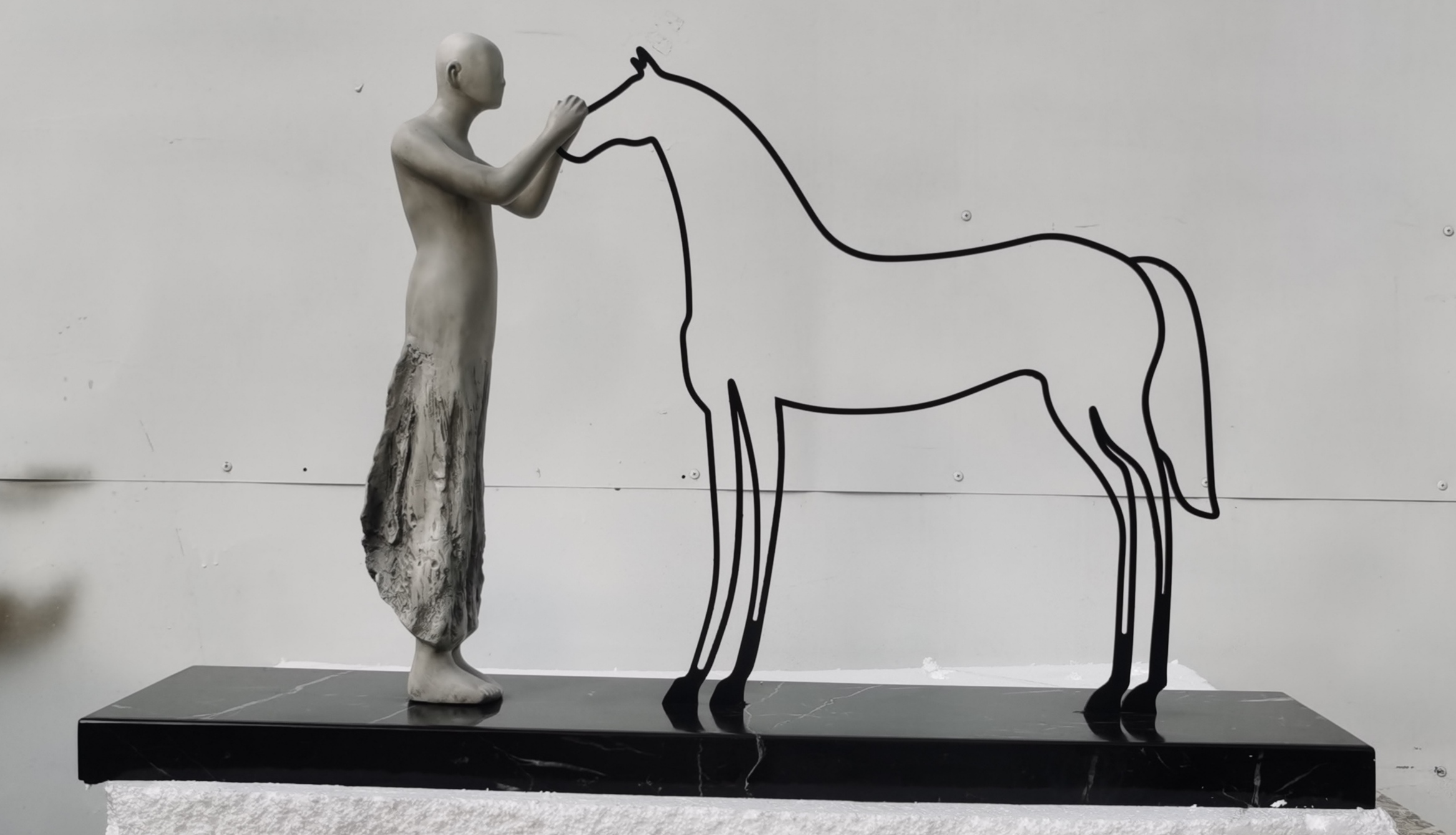 玻璃钢人和马
