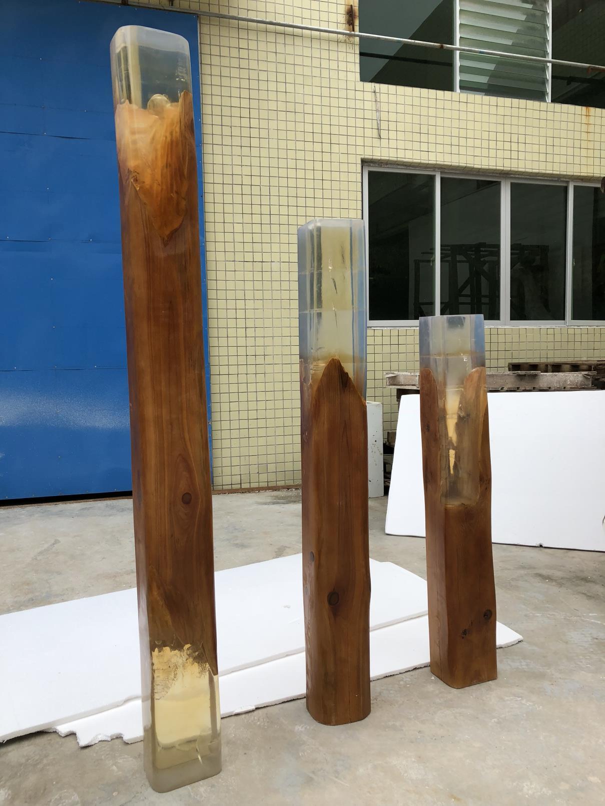 木+透明树脂+木底板